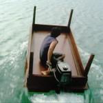 Mc Gyver tu lui donnes une table il t'en fait un bateau
